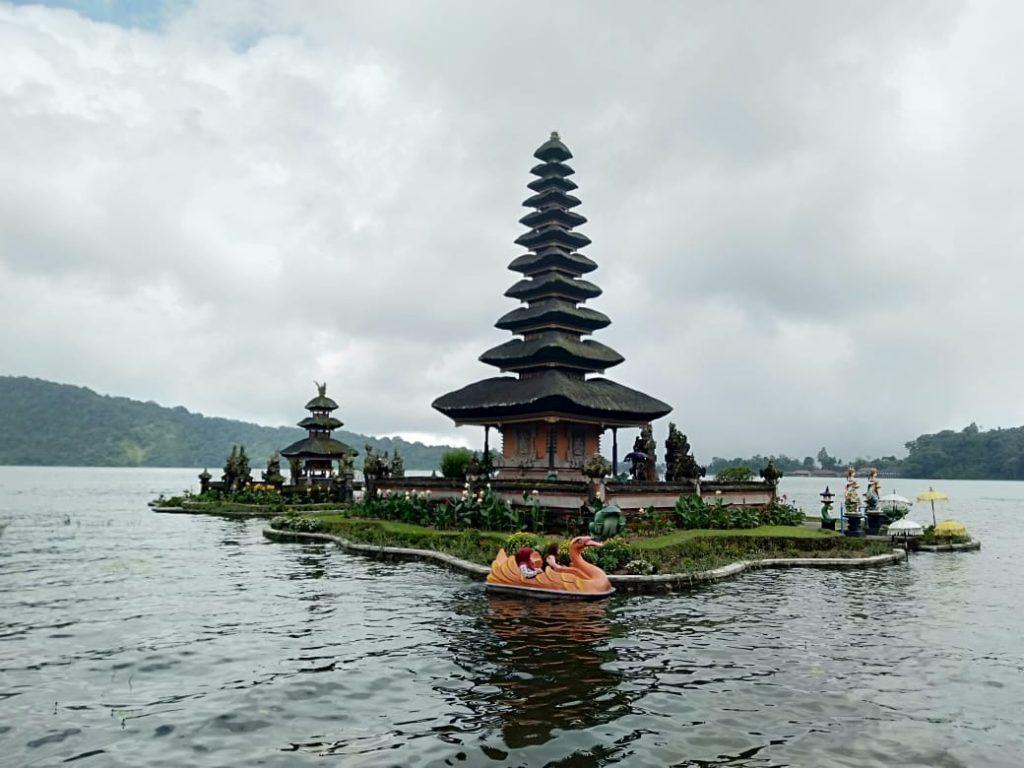 Ulundanu Beratan Temple Bali